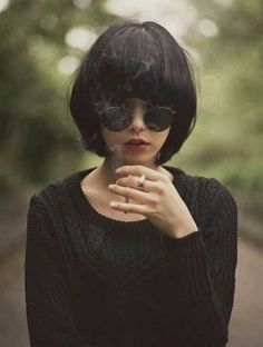 She looks like an idiot with that cigarette. Short Bob Haircuts: Hottest Bob Hairstyles of 2014 - Pretty Designs Bob Haircuts For Women, Short Bob Haircuts, Bob Hairstyles, Hairstyle Short, Black Hairstyles, Vintage Hairstyles, Hairstyle Ideas, 2017 Hairstyle, Glasses Hairstyles