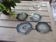 Resin coaster set- 4 geode agate black coasters w silver accents - good housewarming, friend gift, coasters, geode coaster, ready to ship Black Coasters, Agate Coasters, Sola Wood Flowers, Dried Flowers, Drink Display, Gerber Daisies, Wedding Order, Hand Designs, Handmade Decorations
