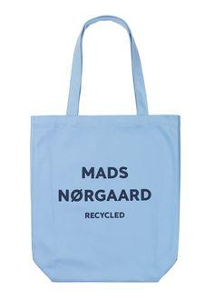 Athene Lyseblåt Shopper Net fra Mads Nørgaard m Navy logo Print / Anthon. Navy Logo, Shopper, Fasion, Suitcase, Girl Outfits, Reusable Tote Bags, Backpacks, Hummer, Handbags