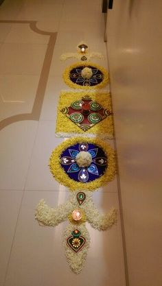 30 Dazzling Diwali Decorations DIY Ideas to Brighten-Up Your Home - Lifestyle Spunk Rangoli Designs Flower, Rangoli Border Designs, Rangoli Patterns, Colorful Rangoli Designs, Rangoli Ideas, Rangoli Designs Diwali, Rangoli Designs Images, Flower Rangoli, Beautiful Rangoli Designs