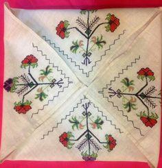 Hesap işi Palestinian Embroidery, Cross Stitch Embroidery, Elsa, Traditional, Turkey, Cross Stitch, Needlepoint, Turkey Country
