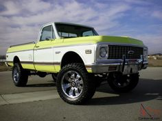 1971 Chevy Truck In Yellow This Is A 4 Wheel Drive You Can See The Locking S Front On Wheels As Well Transfer Case
