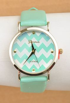Perfect Timing Chevron Pattern Face Watch in Mint/White