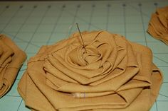 Tutorial for large fabric flower- for hair or pillow