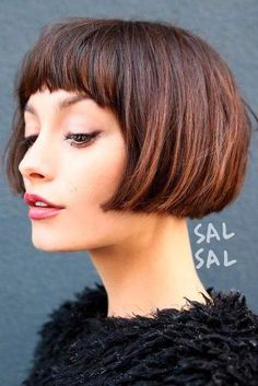 """It can not be repeated enough, bob is one of the most versatile looks ever. We wear with style the French """"bob"""", a classic that gives your appearance a little je-ne-sais-quoi. Here is """"bob"""" Despite its unpretentious… Continue Reading → Bobs For Thin Hair, Short Thin Hair, Short Hair Cuts, Short Blonde, Pixie Cuts, Line Bob Haircut, Bob Haircut With Bangs, Classic Bob Haircut, Hair Styles 2016"""