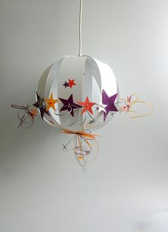 suspension-plafonnier-chambre-bebe-fille-etoiles-rose-violet-fushia ...
