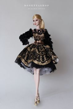 Set Include : Dress + Belt *Doll and Other Accessories not included. Barbie Gowns, Doll Clothes Barbie, Dress Up Dolls, Vintage Barbie Dolls, Barbie Dress, Fashion Royalty Dolls, Fashion Dolls, Fashion Dresses, Manequin
