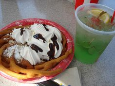 i want the drink and the funnel cake lol