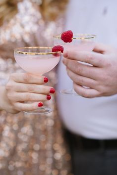 Delicious looking raspberry signature cocktails | Photography: Natalie Franke Photography | Have a garden theme wedding - Raspberry And Gold Wedding Colour for Garden Theme Dream Wedding |http://www.fabmood.com/raspberry-and-gold-wedding-colour #gardenwedding #gardentheme #weddingtheme