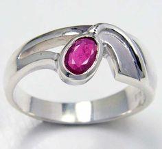 MODERN RUBY STERLING SILVER RING SIZE  8.5    GTJA 104  ruby  gemstone ring,  silver gemstone ring