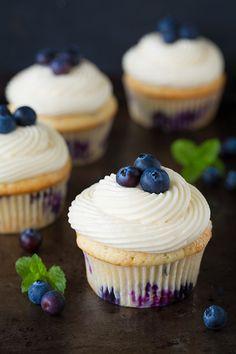 Cupcake con mirtilli e crema