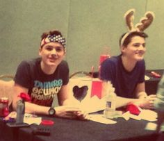the twins at playlist live... obviously thinking they are in their natural habitat ;) xx