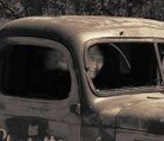 A law enforcement officer took this picture of an abandoned old truck off of Honey Run Road in Chico, California.The optical illusion or ghostly apparition in the close up is quite striking. Gif Fantasma, Ghost Pics, Ghost Images, Ghost Pictures, Creepy Pictures, Chico California, Ghost Stories, Scary Stories, Paranormal Stories