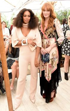 Solange Knowles Ferguson & Florence Welch attend The 2015 CFDA/Vogue Fashion Fund Runway Show in L. Estilo Florence Welch, Florence Welch Style, Vogue Fashion, Fashion News, Girl Fashion, Fashion Outfits, Solange Knowles, Anna Wintour, Celebrity Look