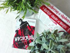 Vicious by V.E. Schwab || Shades of magic trilogy by V.E. Schwab || A Darker Shade of Magic || A Gathering of Shadows