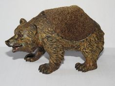 Rare large Vienna cold painted bronze pen wipe bear , ± 1900 ,14 cm. long and 8 cm. high , photography by Nico Loos