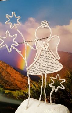 Angel playing the flute with stars. if - Quilling Paper Crafts Wire Crafts, Xmas Crafts, Book Crafts, Diy And Crafts, Arts And Crafts, Diy Paper, Paper Art, Angel Crafts, Quilling Paper Craft