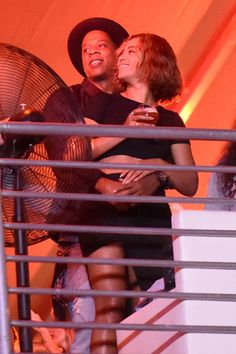 Crazy in love. Jay Z and Beyoncé snuggle up at the 2014 Made In America festival in Los Angeles on Aug. 31