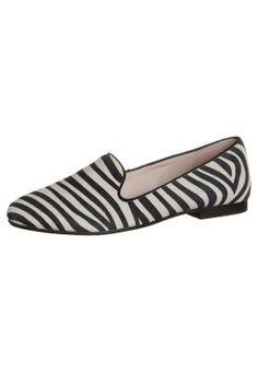 KIOMI Scarpe senza lacci - zebra a € 70,00 (09/03/15) Ordina senza spese di spedizione su Zalando.it