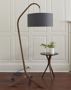 Willow Standing Lamp Handmade steam bent walnut standing arc lamp with linen shade. Modern Floor Lamps, Cool Floor Lamps, Arc Lamp, Tall Lamps, Unique Lamps, Bedroom Lamps, Lamp Design, Decoration, Lamp Light