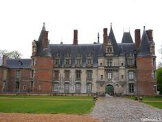 La véloscénie, visite du chateau de Maintenon par radis rose