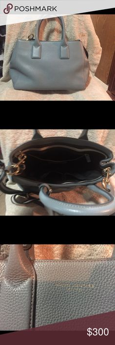 Marc Jacobs handbag Leather. Used for a couple months Marc Jacobs Bags Totes
