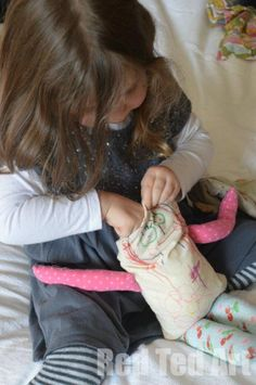 Making dolls - very sweet, doesn't even look too tricky and my two would really enjoy the whole process.