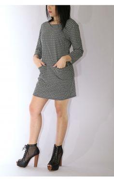 ΦΟΡΕΜΑ #CaprricioShop Sweaters, Dresses, Fashion, Vestidos, Moda, La Mode, Sweater, Fasion