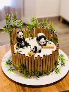 New cupcakes fondant decoration design cake tutorial Ideas - Desserts Pretty Cakes, Cute Cakes, Fondant Cupcakes, Cupcake Cakes, Sweets Cake, Fondant Birthday Cakes, Fondant Cake Designs, Cake Fondant, Fondant Figures