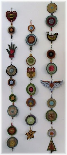 A kind of woolie totem pole!!  Could put some of my antique buttons in the centers of the circles...