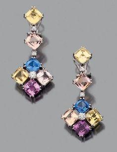 Paire de pendants d'oreilles en or gris 18k sertis de saphirs multicolores alternés de petits diamants de taille brillant Hauteur: 3.7cm env Poids brut: 13.1gr - Aguttes - 14/02/2015 #Bijou #Jewel #Luxe