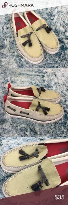 Sorel Sentry tassel loafer men's shoes Sorel Sentry beige tassel slip on loafers - mens size 8 Some light wear - no major flaws Sorel Shoes Loafers & Slip-Ons