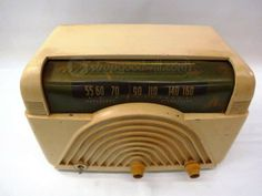 Vintage Crosley 68TW Bakelite Radio