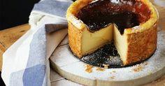 El flan de París o flan pâtissier es un dulce muy popular en Francia. Se caracteriza por su exterior crujiente y un interior a base ... Sweet Cakes, Dessert Recipes, Desserts, Sweet And Salty, Let Them Eat Cake, No Bake Cake, Cooking Time, Sweet Recipes, The Best