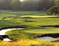 Merion Golf Club in Ardmore, PA | Presented by BestOutings www.bestoutings.com500 × 398Pesquisar por imagens ... now legendary one-iron on the 72nd hole during the 1950 U.S. Open, the sculpted greens, fairways and treacherous bunkers of Merion have shaped the game.