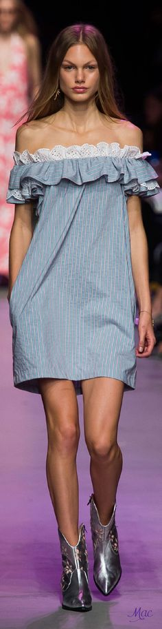 #Farbbberatung #Stilberatung #Farbenreich mit www.farben-reich.com Spring 2016 Ready-to-Wear Paul & Joe Couture Fashion, Runway Fashion, Fashion Outfits, Fashion Trends, Sweet Dress, Elegant Outfit, Dress To Impress, Beautiful Outfits, Casual