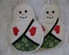 Agarraderas de muñeco de nieve por VernieLeeDesigns en Etsy