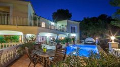 Villa Romantic Paguera Situated in Paguera in the Majorca Region, this detached villa is 18 km from Palma de Mallorca. Guests benefit from terrace. Free WiFi is featured .  There is a seating area and a kitchen complete with a dishwasher and an oven.