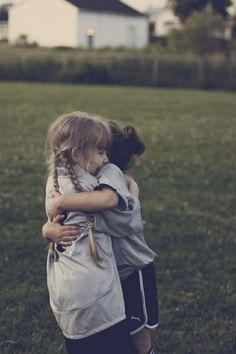 hugs make u happy