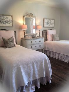 Mallory Smith Interiors - traditional - bedroom - birmingham - by Mallory Smith Interiors Twin Girl Bedrooms, Big Girl Rooms, Guest Bedrooms, Twin Bed For Girls, Twin Bed Room, Twin Bedroom Ideas, 2 Twin Beds, Bedroom Photos, Home Bedroom