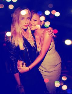 Gillian Zinser (Ivy) and Jessica Stroup (Silver)