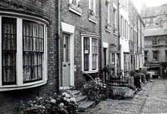 Bedford Terrace off Chapel Place (no date but that doesn't matter because it appears to be timeless).