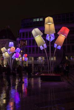 La Place Louis Pradel et ses Lanterne-Abas Jour :2012