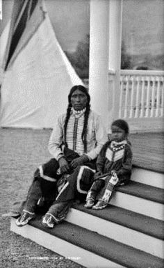 Piah (aka Peter Snow) and his son Capitanito - Ute - 1894 Native American Proverb, Native American Children, Native American Images, Native American Beauty, Native American Tribes, Native American History, American Symbols, American Women, Black Indians