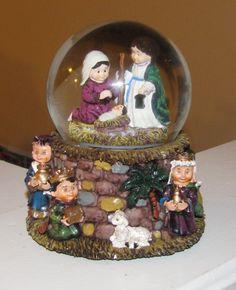 so so cute Snow Globes, Nativity, Around The Worlds, Scene, Christmas, World, Nativity Sets, Xmas, The Nativity