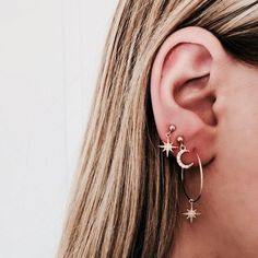 Trending Ear Piercing ideas for women. Ear Piercing Ideas and Piercing Unique Ear. Ear piercings can make you look totally different from the rest. Ear Jewelry, Cute Jewelry, Gold Jewelry, Jewelry Box, Jewelery, Jewelry Accessories, Women Jewelry, Gold Bracelets, Jewelry Armoire
