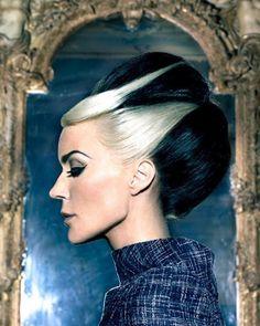 Daphne Guinness é a capa e a estrela do editorial da revista Tatler Hong Kong Março 2012, o estilo é de GK Reid e os clicks de Markus + Indrani.