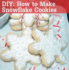 How to make snowflake sugar cookies!  Crystals 8th birthday party  Disney Frozen Birthday Party - Supplies, cakes and other ideas!  Disney Frozen kids birthday party anna elsa olaf decorations favors food snacks dessert drinks snowflake snowman #LipstickNBruises