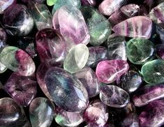 popular crystals for healing, how do healing stones work, what powers do healing crystals have, what is the meaning of healing crystals, how crystals work Healing Stones, Crystal Healing, Nagel Tattoo, Interior Design Website, Heart And Mind, Stone Work, Crystals And Gemstones, Amethyst, Marvel