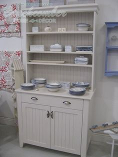 Kitchen Dresser This is how I need to paint ours for my sewing bits